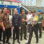 MUDIK 2017 : Ombak Besar Tunda Kedatangan 2 Kapal Pemudik di Tanjung Emas
