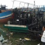 KEBAKARAN PATI : 5 Kapal Nelayan Juwana Terbakar