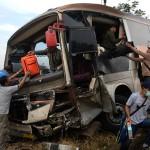 FOTO KECELAKAAN KUDUS : Begini Kondisi Bus Safari Dharma Raya