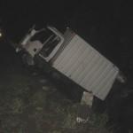 KECELAKAAN SUKOHARJO : Diduga Selip, Mobil Boks Masuk ke Selokan di Gupit