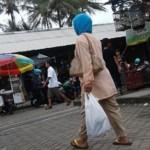 Wanita pengemis mencari belas kasihan para dermawan di Pasar Pon, Ambarawa, Kabupaten Semarang, Jateng. (Facebook.com-Moms Kiky)