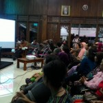 Warga Bantaran Kali Anyar Tapen dan Praon Solo Mulai Bangun Fondasi Rumah Baru di Mojosongo