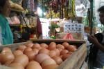 KOMODITAS PANGAN : Harga Bawang Putih Stabil Tinggi, Kacang Tanah Diprediksi Menyusul