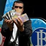 Penukaran Uang di GOR Tri Lomba Juang Semarang Dilayani 7 Bank