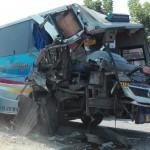 KECELAKAAN MADIUN : Ugal-Ugalan, Bus Sugeng Rahayu Tabrak Truk