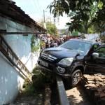 KECELAKAAN BOYOLALI : Tabrakan Mobil vs Truk, Satu Rumah Warga Rusak