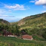 """WISATA SOLORAYA : Di Wonogiri Ada Desa """"Flintstone"""", Namanya Kampung Batu"""