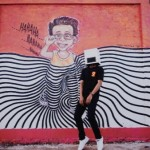 TRENDING SOSMED : Mirip DJ Marshmello, Ini Penyanyi Nyentrik Asal Balikpapan Viral