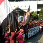 LIGA 2 : Persis Vs Sragen United: Foto-Foto Dukungan Pasoepati di Luar Stadion