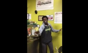 Pria asal Amerika Serikat fasih menyanyikan lagu Uwiw Uwiw yang dipopulerkan Cita Citata (Facebook)