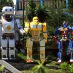 WISATA SOLO : Yuk Foto Bareng Transformers di Taman Cerdas Jebres