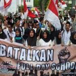 Protes Full Day School? Kirim Pengaduan ke Hotline PPP Ini