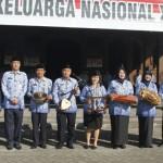 Pemkot Solo menyerahkan bantuan gamelan untuk lima kelurahan di Kota Solo, Senin (17/07/2017). Bantuan diserahkan seusai upacara dan apel pagi di halaman Balai Kota Solo. (Istimewa)