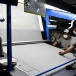 FOTO INDUSTRI OTOMOTIF : Karpet Toyota Diproduksi di Semarang
