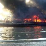 KEBAKARAN PATI : Api Pelumat Kapal Nelayan Juwana Tak Padam hingga Tengah Malam