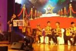 Orkes Keroncong Alunan Sukma Maktab Sabah saat pentas keroncong di Malaysia. Grup keroncong ini bakal menjadi salah satu pengisi acara Silaturahmi Keroncong Nusantara #1 di Joglo Sriwedari, Minggu (23/7/2017). (Istimewa)