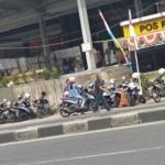 PARKIR SEMARANG : Ada Pos Polisi dan Rambu Larangan, Parkir Liar Java Mall Tetap Lestari