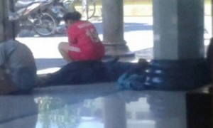 Atlet berpakaian olahraga di Masjid Agung Kendal, Jateng, Rabu (26/7/2017). (Facebook.com-Nur Amin Said)