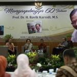 Punya 2 Tanggal Lahir, Rektor UNS Solo Ravik Karsidi Bikin Bingung