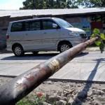 FOTO KECELAKAAN BOYOLALI : Tiang Jaringan Telepon di Jalan Simo-Sambi Boyolali Ambruk