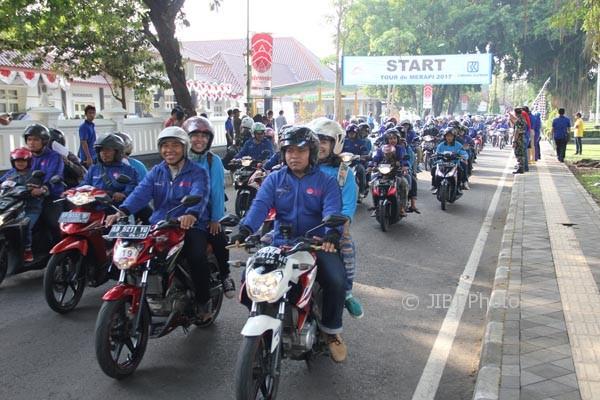 Ribuan peserta mengikuti event Tour De Merapi 2017 yang digelar Dinas Pariwisata Sleman, Minggu (30/7/2017). (Abdul Hamid Razak/JIBI/Harian Jogja)
