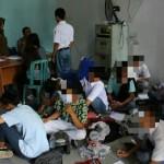 RAZIA SRAGEN : Dipengaruhi Miras dan Pil Koplo, Pelajar Nekat Tabrak Petugas Satpol PP