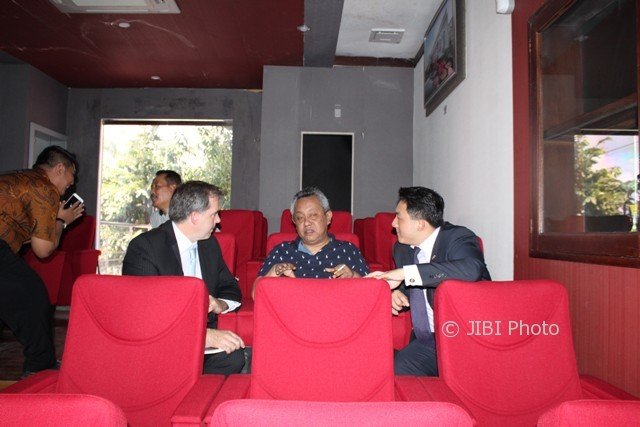 Bupati Boyolali (tengah) berbincang dengan investor dari Stern Resorces, Amerika Serikat, di Gedung Lembu Suro, Rabu (2/8/2017). (Akhmad Ludiyanto/JIBI/Solopos)