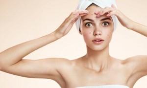 Foto ilustrasi: Cara mengatasi jerawat berdasarkan lokasi jerawat di wajah. (thehealthsite.com)