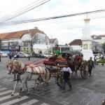 FOTO PAWAI JOGJA : Kirab Kereta untuk Melestarikan Budaya