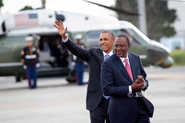 Barack Obama dengan Presiden Kenya, Uhuru Kenyatta (Nytimes.com)