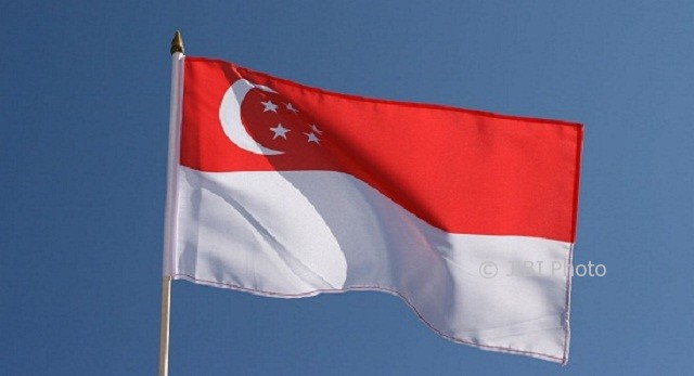 Bendera Singapura. (Royal-flags.co.uk)