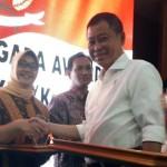 PRESTASI SRAGEN : Jadi Salah Satu Daerah Terinovatif, Bupati Yuni Raih Inagra Awards 2017