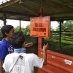 KEGIATAN MAHASISWA : Mapala BMC Pasang Plakat Jalur Gunung Lawu