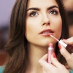 TIPS KECANTIKAN : Setop! 4 Kosmetik Ini Haram Dipakai Setiap Hari