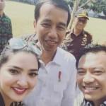 INSTAGRAM ARTIS: Pose Bareng Jokowi, Foto Ashanty Langsung Viral