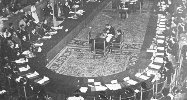 Konferensi Meja Bundar di Den Haag, Belanda, 1949. (Wikimedia.org)