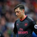 LIGA INGGRIS : Arsenal Kalah, Ozil Dicerca Juga Dibela