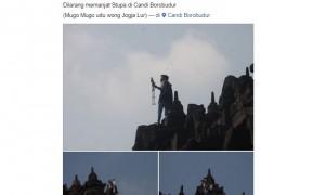 Pria nekat panjat dinding Candi Borobudur untuk Selfie (Facebook Info Cegatan Jogja)