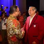 Bukan Jas Biru, SBY & AHY Kompak Pakai Jas Merah