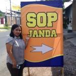 Penti S mendirikan warung makan spesial Sop Janda di tepi jalan raya Desa Gagak Sipat, Ngemplak, Boyolali.(Aries Susanto/JIBI/Solopos)