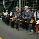 Naik KRL Selepas Subuh, Foto Keteladanan Syafii Maarif Bikin Haru