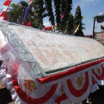 HUT RI : Pawai Pembangunan Wuryantoro Wonogiri, Tempe Raksasa Ikut Karnaval