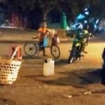 KISAH TRAGIS : Bocah di Kendal Ini Dagang Kacang hingga Lewat Tengah Malam
