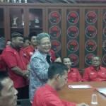 PILGUB JATENG : Ganjar Pranowo dan Heru Sudjatmoko Ambil Formulir Cagub-Cawagub di PDIP