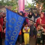HUT KEMERDEKAN RI : 2 Nenek Semangat Ikut Jalan Sehat di Bogoran