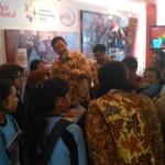 Pengunjung Pameran Jamnas Revolusi Mental di Solo Jajal Permainan
