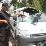 KECELAKAAN PONOROGO : Terjang Jalan Berlubang, Mobil Pengangkut Uang Terguling di Jetis