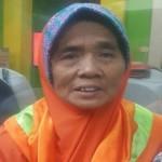 KISAH INSPIRATIF : Nenek Asal Lamongan Naik Haji dengan Uang Hasil Memulung Sampah