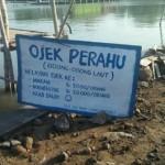 Papan daftar harga ojek perahu di Desa Bedono, Kecamatan Sayung, Kabupaten Demak, Jateng. (Facebook.com-Kalah Patas Yen Rakpopo)