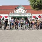 GAIA Cosmo Hotel Kampanyekan Gaya Hidup Sehat Lewat Cosmonian Bike to Work